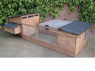Hereford Poultry House - Portable chicken house for up to 8 hens