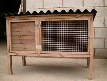 Rabbit Hutch - Traditional style pet house for guinea pigs or rabbits
