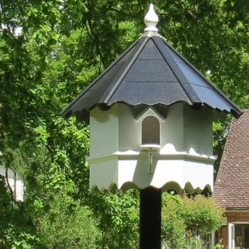 Manningtree Dovecote, One Tiered Hexagonal Birdhouse - Traditional English Pole Mounted Birdhouse for Doves or Pigeons