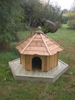 Indian Runner Hexagonal Floating Duck House, Waterfowl Nesting Box for Pond or Lake