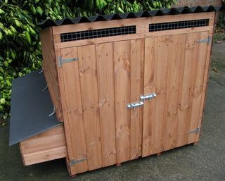 Westford Poultry House - Chicken or Duck coop for up to 12 hens